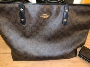 Brown Leather Coach Tote Purse & Wallet for Sale in San Leandro, CA