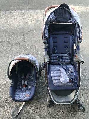 Car seat & stroller for Sale in Glendale, AZ