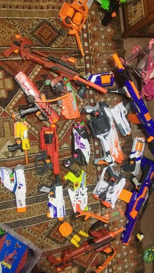 NERF BUNDLE OF 20+ GUNS, 500 BULLETS & ACCESSORIES for Sale in Peoria, AZ