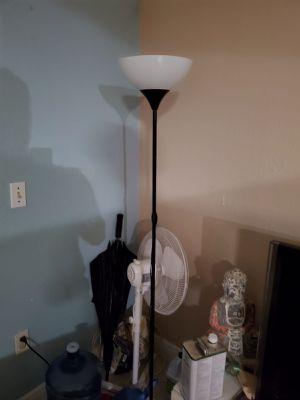 Floor lamp for Sale in Miami, FL