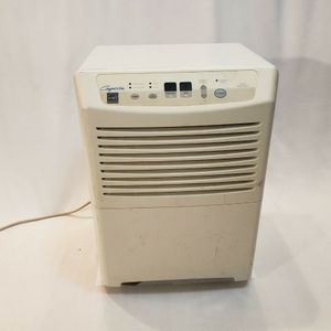 Heat Controller Comfort-Aire BHD-501-B Dehumidifier 50 Pint for Sale in Niles, IL
