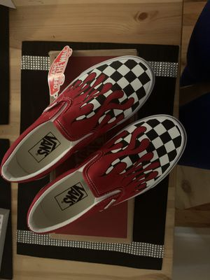 VANS (CHECKER FLAME) for Sale in Brooklyn, NY