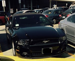 Ford Mustang (Black) for Sale in Los Angeles, CA