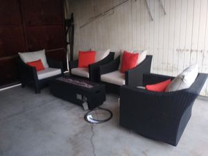 Outdoor patio chairs and firepit for Sale in Los Angeles, CA