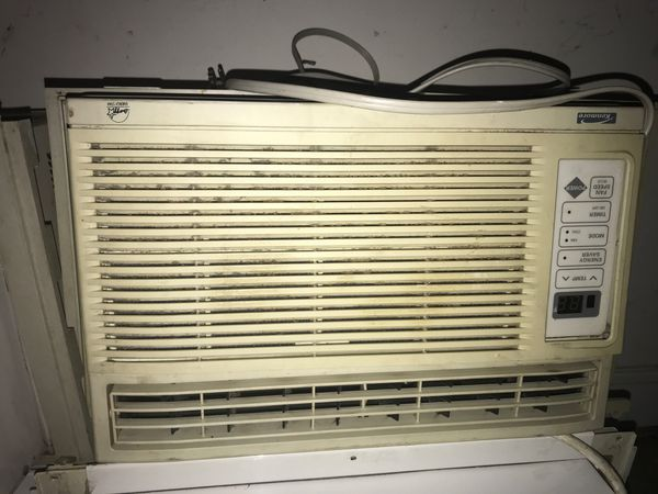 Window unit working in perfect condition