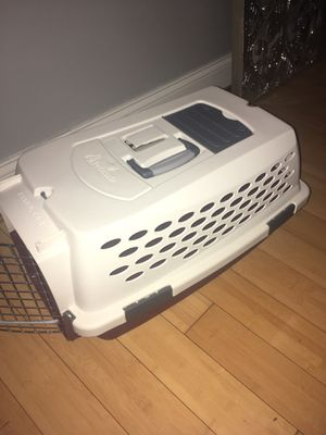Pet mate dog kennel for Sale in Baltimore, MD