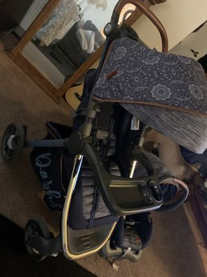 Monbebe Baby stroller, car seat and car seat car base for Sale in Beacon, NY