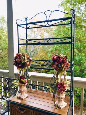 2 Faux Flower arrangement Home Decor for Sale in Sugar Hill, GA