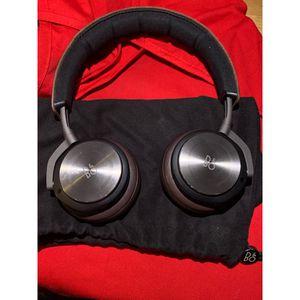 Wireless headphones for Sale in Riverside, CA