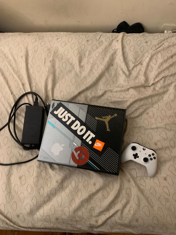 Xbox one limited edition(Will trade for PS4)