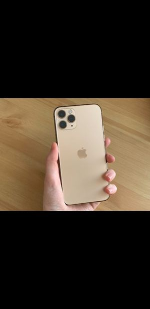 iPhone 11 pro max unlocked for Sale in Portland, OR
