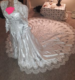 Beautiful wedding dress for Sale in Abilene, TX