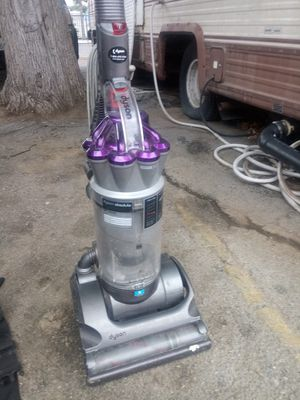 Dyson vacuum for Sale in Hemet, CA