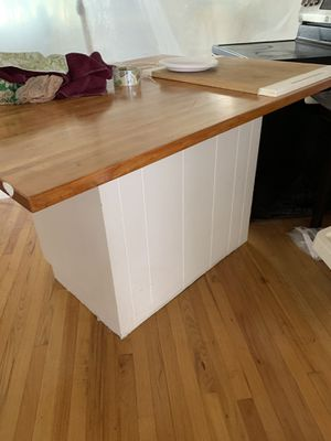 Kitchen island for Sale in Federal Way, WA