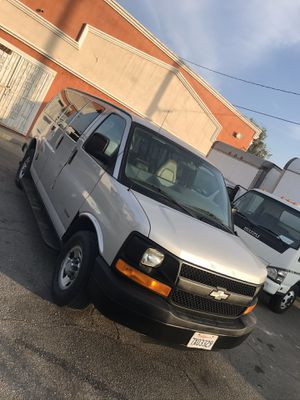 2005 Chevy express 3500 passenger van for Sale in Bellflower, CA