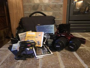 Nikon D5200 with all accessories for Sale in Kent, WA
