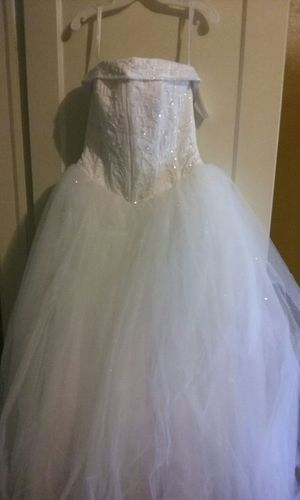 Brand new wedding dress for Sale in Detroit, MI