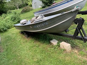 12' Aluminum Boat with Trailer for Sale in Doylestown, OH