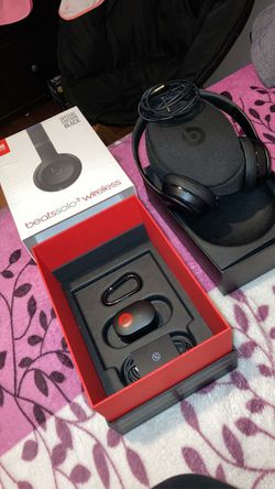 Beats solo wireless for Sale in Los Angeles,  CA