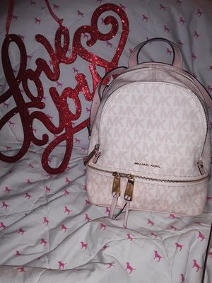 MICHAEL KORS BEAUTIFUL RARE PINK BACKPACK for Sale in Stockton, CA
