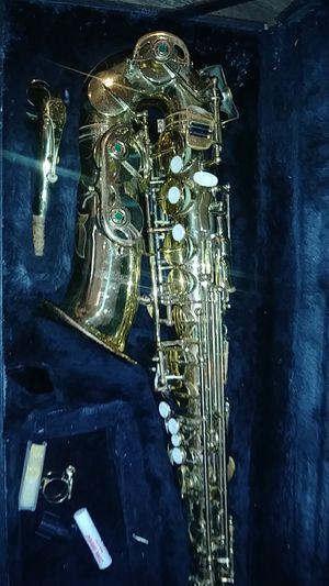 Golden saxophone for Sale in Trenton, NJ
