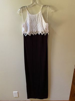Size 9/10 All That Jazz black/white formal gown for Sale in Dublin, GA