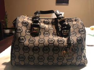 Hand bag for Sale in Arlington, VA