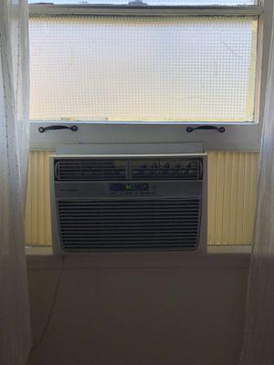 Frigidaire 6,000 BTU Window AC for Sale in Los Angeles, CA