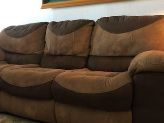 Couch With Dual Recliner for Sale in Sheridan,  CO