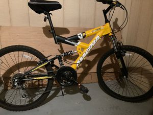 Men's Magna mountain bike for Sale in St. Louis, MO