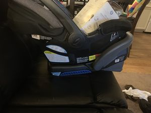 Baby seat.. wipe warmer... and high chair bundle for Sale in Fresno, CA