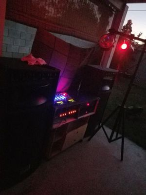 DJ Setup with Speakers, Strobe lights, and Mixer for Sale in Pomona, CA