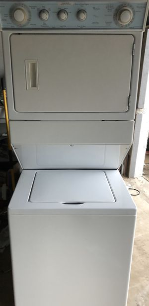 SUPER CAPACITY WHIRLPOOL STACKABLE WASHER & DRYER for Sale in Lake Worth, FL