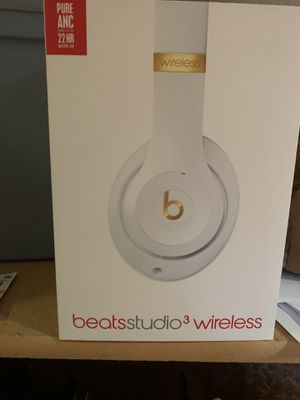 Beats studio 3 wireless head phoned for Sale in Malabar, FL