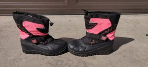 Girls Snowboots size 4 for Sale in Lakewood, CA