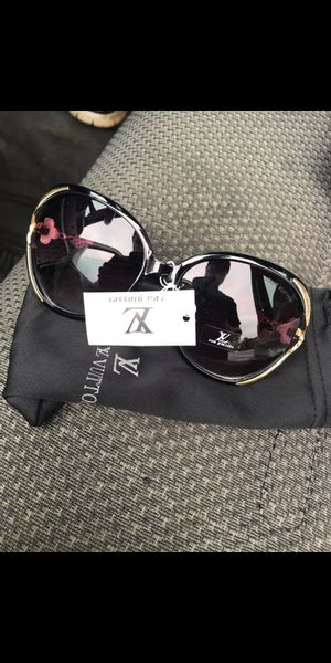 Women's luxury sunglasses for Sale in Silver Spring, MD