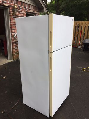 Refrigerator and freezer for Sale in Paducah, KY