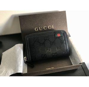 Authentic Gucci Men Zip wallet for Sale in Magnolia, DE