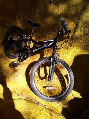 Mountain Bike. 20 aluxx Revel GIANT. Best offer for Sale in San Diego, CA