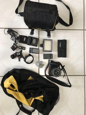 Nikon flash lens battery canon camera DSLR NIKON D900 for Sale in Miami, FL