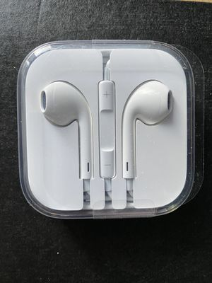 Apple EarPods - Wired with headphone plug for Sale in Harrisburg, PA