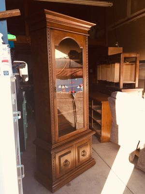 """$165 firm on price-no offers!—1 Gorgeous medium shelf with glass door Comes in 2 pieces . 6'3"""" tall by 2'6"""" wide by 14""""D (not large but not too smal for Sale in Yakima, WA"""