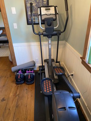 Space Saving Nordictrack Audiostrider 990 Elliptical for Sale in Snohomish, WA