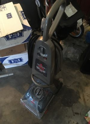 carpet cleaner Bissell for Sale in Modesto, CA