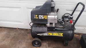 8 gallon 125 psi air compresser for Sale in Watauga, TX