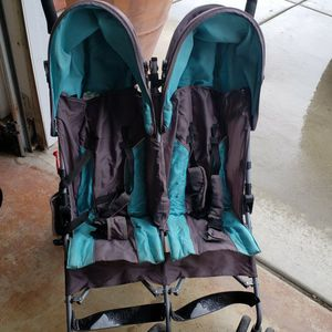 Double Stroller for Sale in Jurupa Valley, CA