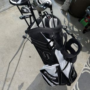 Strata Ultimate Right Handed White/black Golf Club Set With Bag for Sale in Altadena, CA