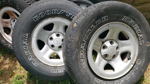 Set of tires, rims with spare tire. 235/15/r17 for Sale in Nashville, TN