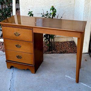 Vintage Desk for Sale in Surprise, AZ