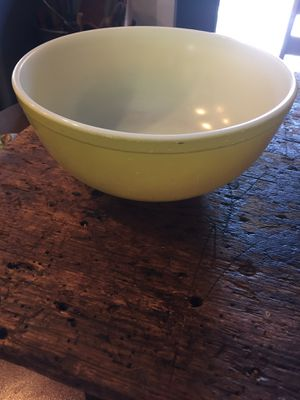 Large yellow Pyrex mixing bowl for Sale in Surprise, AZ